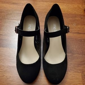 Mee too black wedges